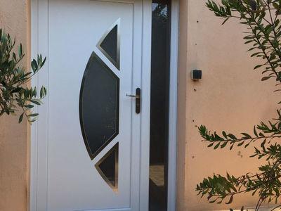 Porte d'entrée tiercée avec demi-lune